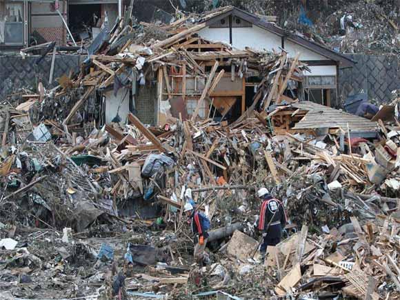 rubbles japan earthquake